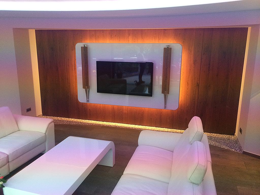 Stunning Wohnzimmer Vorwand Mit Deko Nische Images - Janomeamerica ...